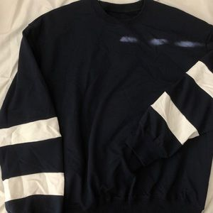 Crew neck Navy Sweater White Stripped Arms (M)